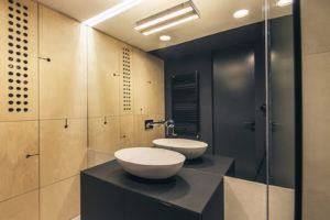 Koupelna s obkladem