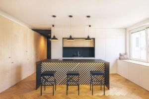 Kuchyňský ostrůvek v otevřeném prostoruu