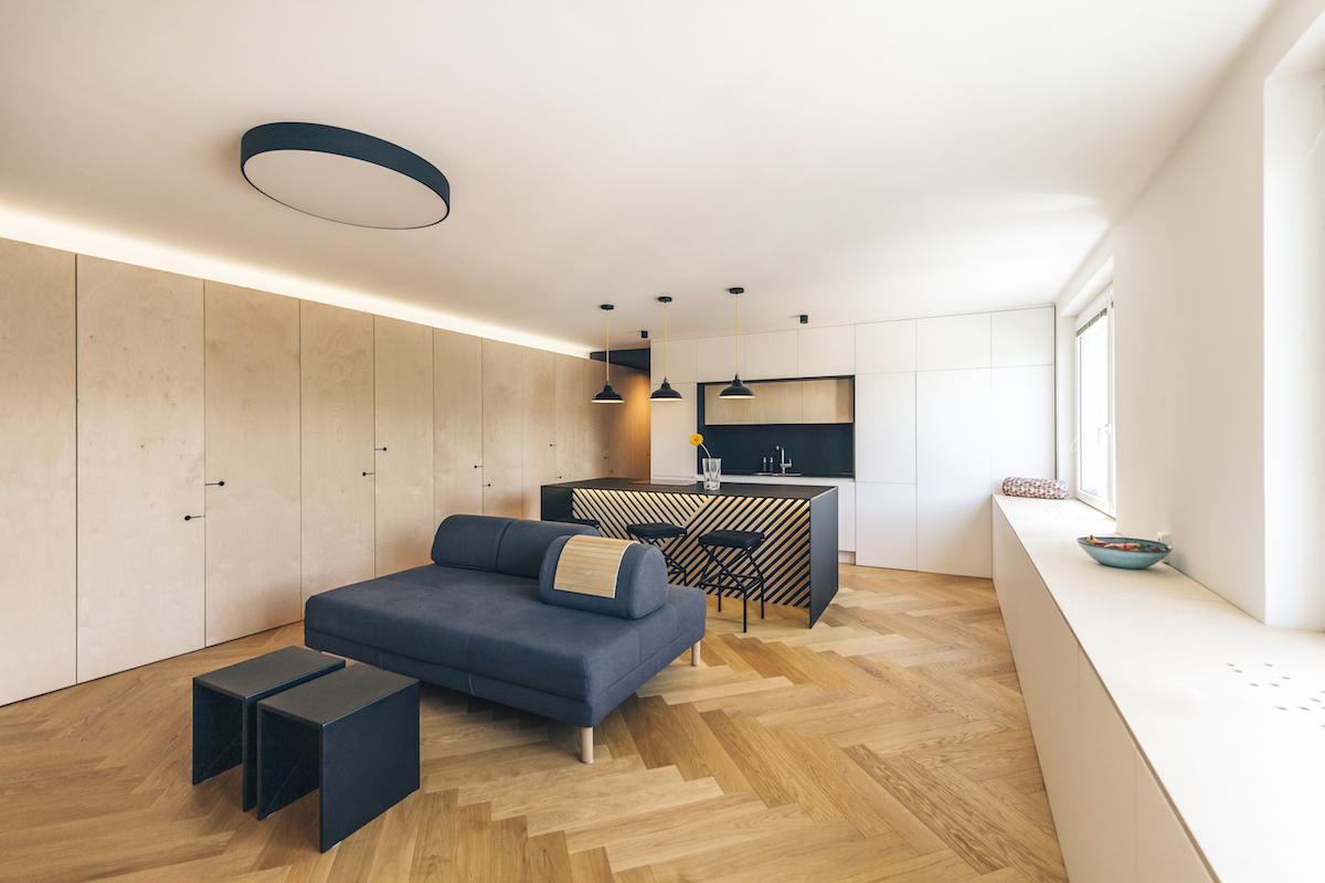 Obývací pokoj je otevřený