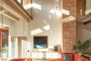 Velkorysý obývací pokoj