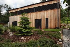 Dřevostavba do svahu