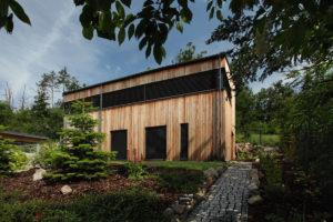 Dřevostavba se záhradkou
