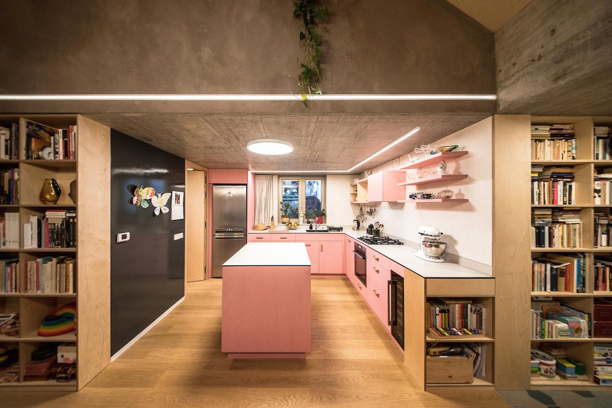 Růžová kuchyň