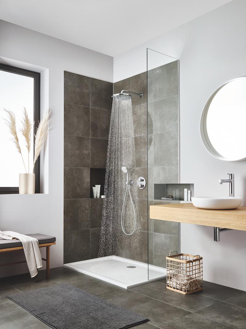 Sprchový kout s dešťovou sprchou