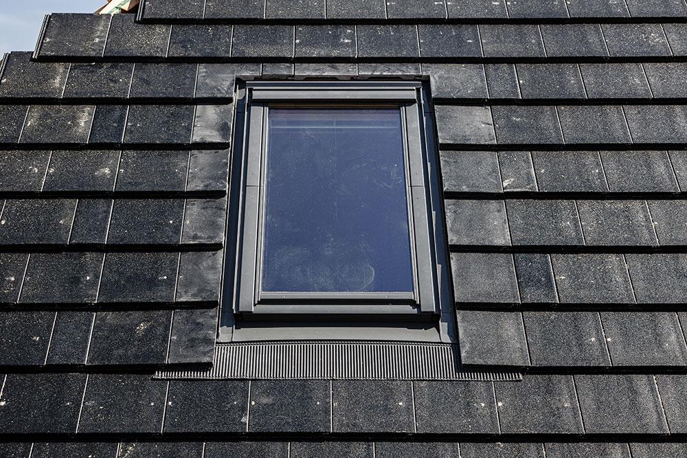 montaz stresniho okna Velux