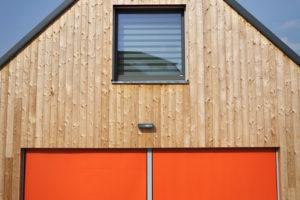 Exteriérové textilní oranžové rolety
