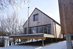 Dřevostavba s terasou