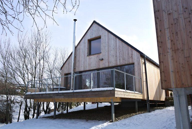 Dřevostavba ve městě za cenu bytu poutá pozornost nejen lokalitou
