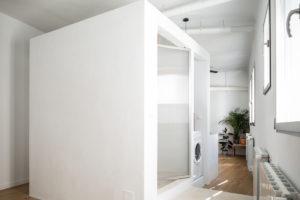 Koupelna v centrální části bytu