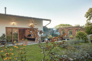 Domek se zahradou