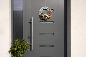 Vchodové dveře AKTIV 77 s Creative 907