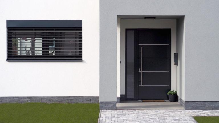 Obliba bezdotykového otevírání dveří roste. Tomuto řešení jdou naproti i dveře LOMAX AKTIV 77