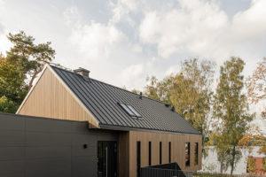 Stavba se sedlovou střechou