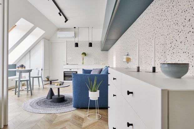 Dokonale promyšlený jednopokojový podkrovní byt