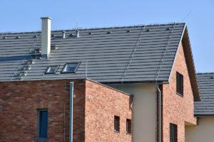 Střecha v zinkově šedé