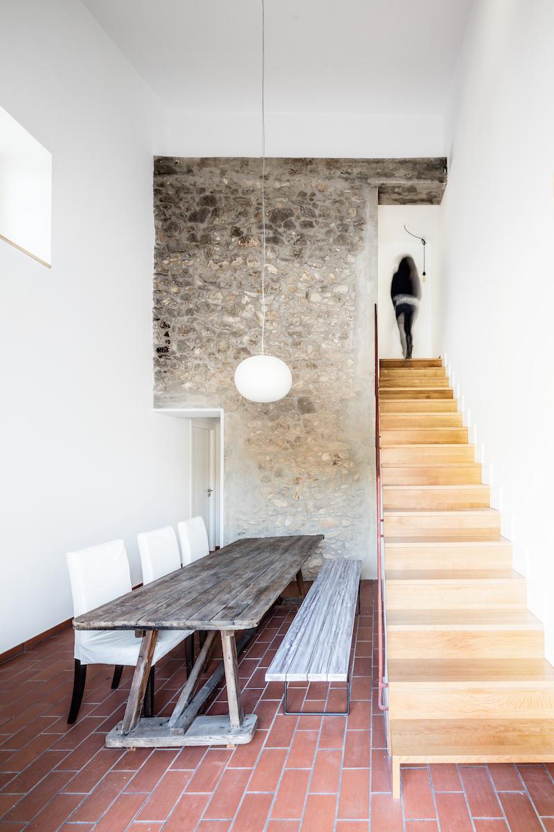 Jídelna a schodiště