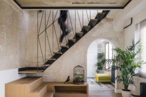 Schodiště v dizajnovém interiéru