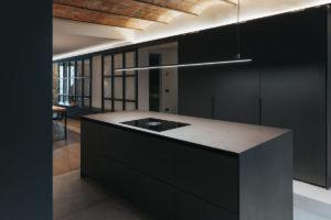 Černá kuchyň