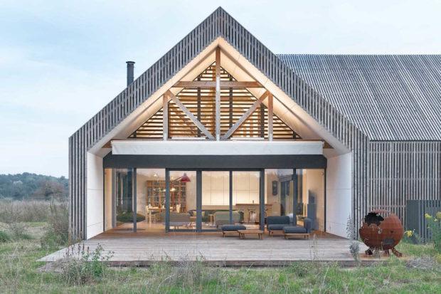 Moderní stodola pro milovnici jezdectví a Divokého západu