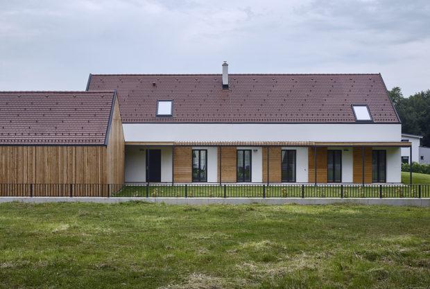 Moderní venkovský dům kombinuje to nejlepší ztradic a moderních technologií