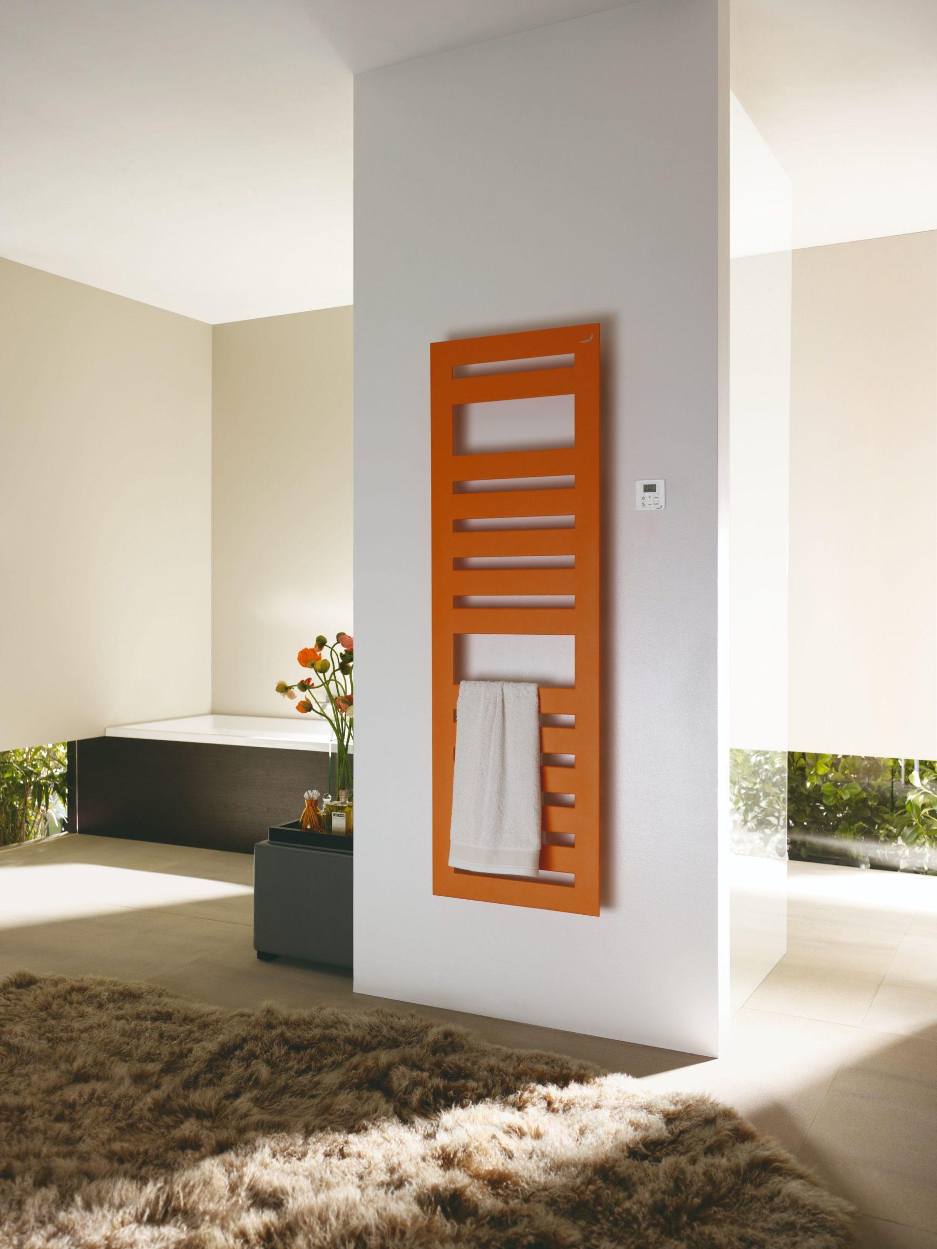 Zehnder_RAD_Metropolitan_Spa_RACY_S_living_towel_orange_quartz_Print_25554