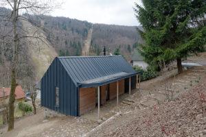 Stavba v rekreační lokalitě