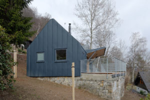 Lehká dřevostavba s terasou