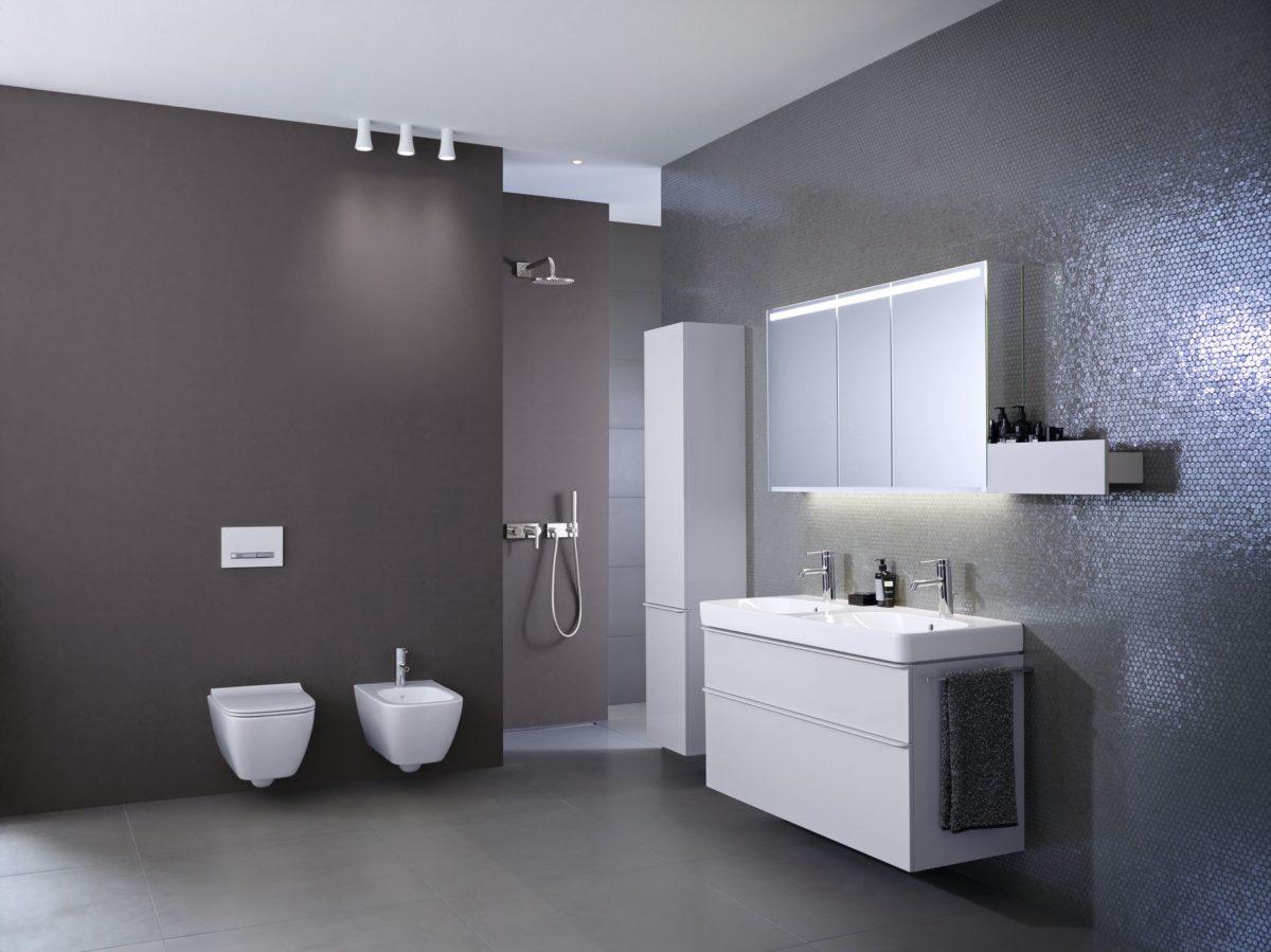 Koupelna s toaletou a bidetem