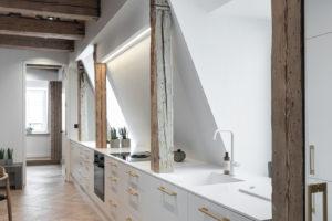 Kuchyň na jedné stěně