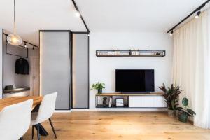 Síťované panely v obýváku