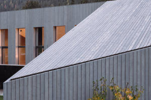 Šikmá střecha domu