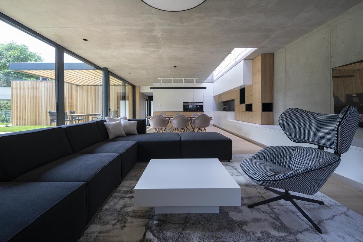 Obývací pokoj s východem na terasu
