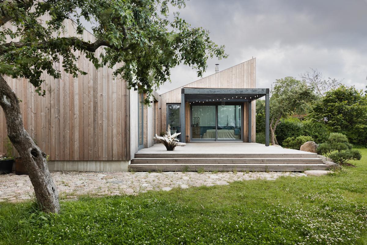 Prefabrikovaný dům s historickým kouzlem a vtipnými detaily