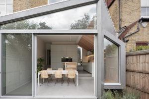 Okno s posuvnými dveřmi