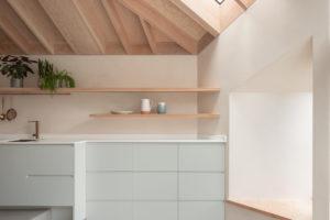 Kuchyň s trámy