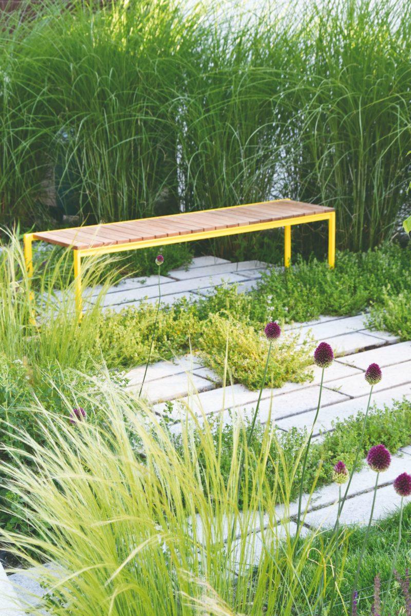 Sezení v zahradě