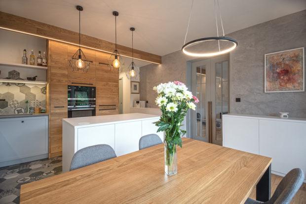Jak sjednotit interiér bytu pomocí obkladů a dlaždic