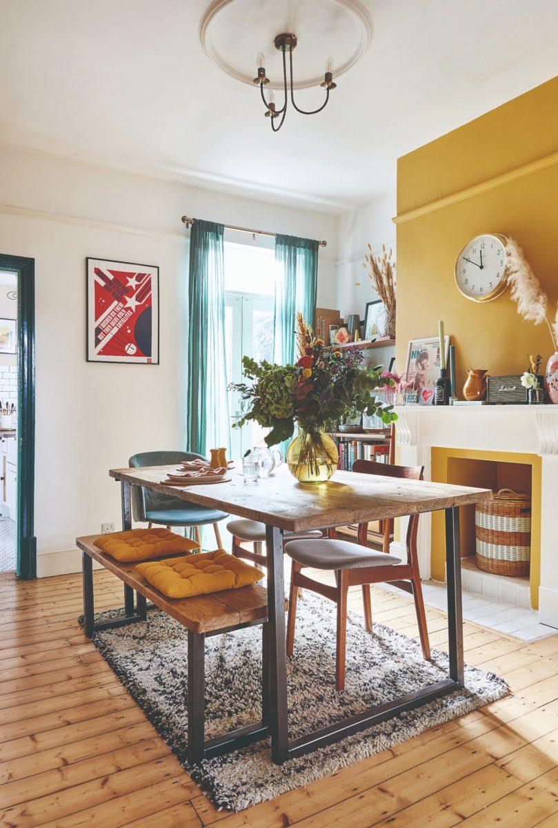 Jídelna v obývacím pokoji