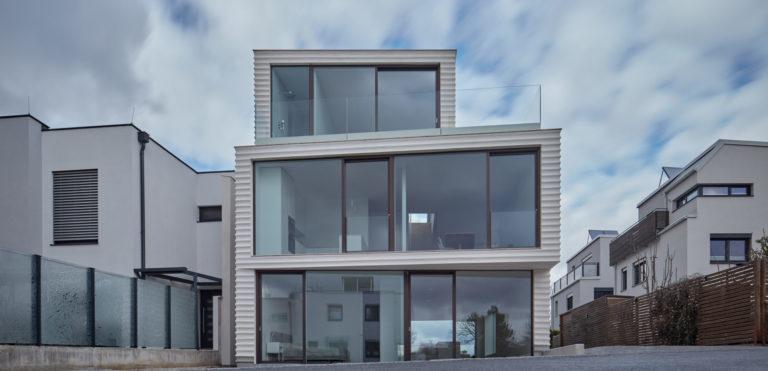 Dvougenerační bydlení v ultramoderní podobě