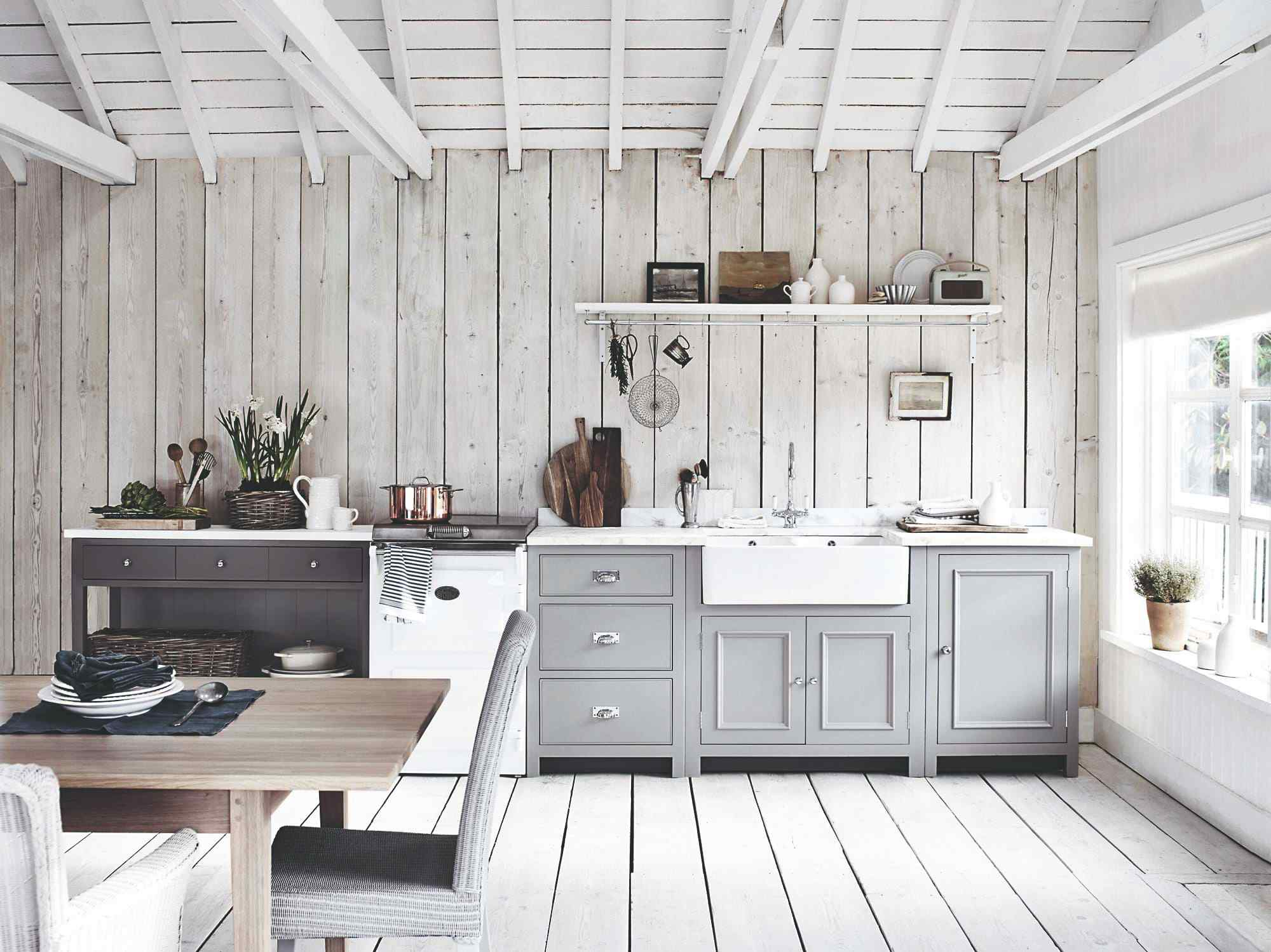 Provensalská kuchyň a bílé trámy