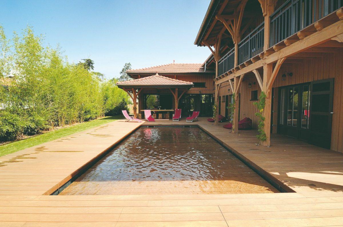 Bazen drevěná terasa