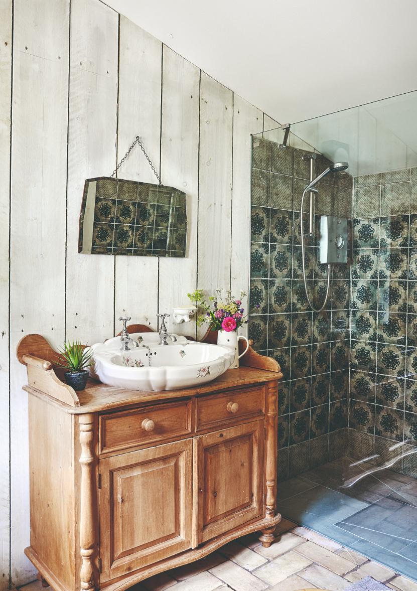 Koupelna pro hosty starožitná renovace