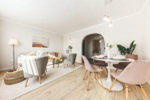 Obývací pokoj s jídelným koutkem