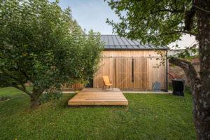 Pokoj s vlastní terasou zahrada