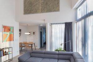 Obývací část velká pohovka
