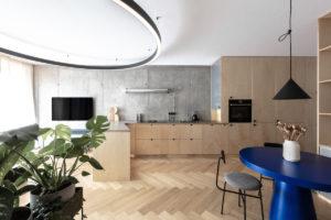 Kuchyň z překližky a parkety