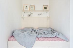 Nika na spaní místo ložnice
