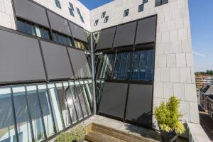 Stínící rolety budova moderní