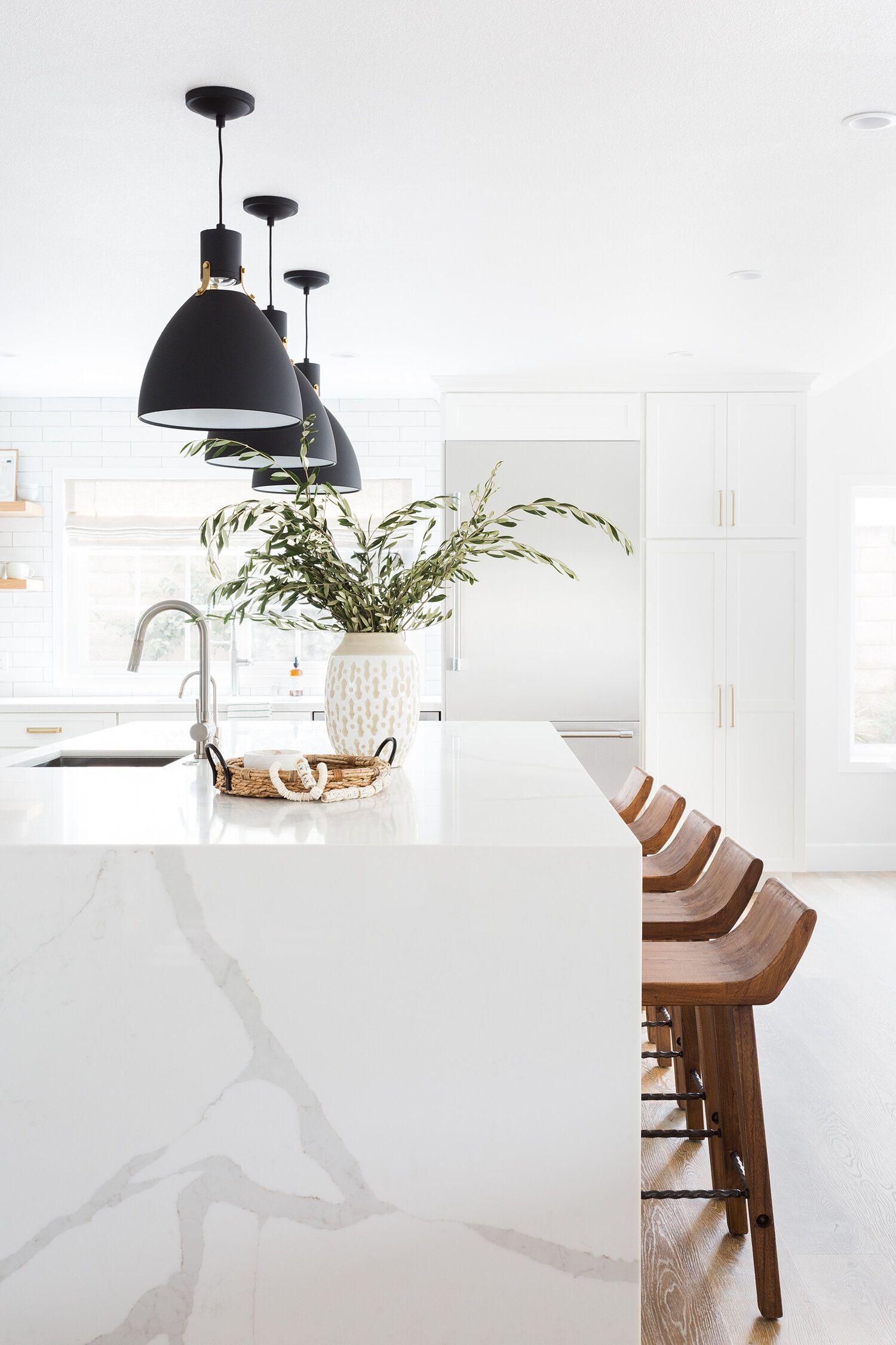 Místo dekoračních předmětů, sošek a magnetek na lednici vneste do své kuchyně kousek přírody.