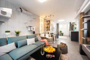 Obývací místnost s částí pro mazlíčky